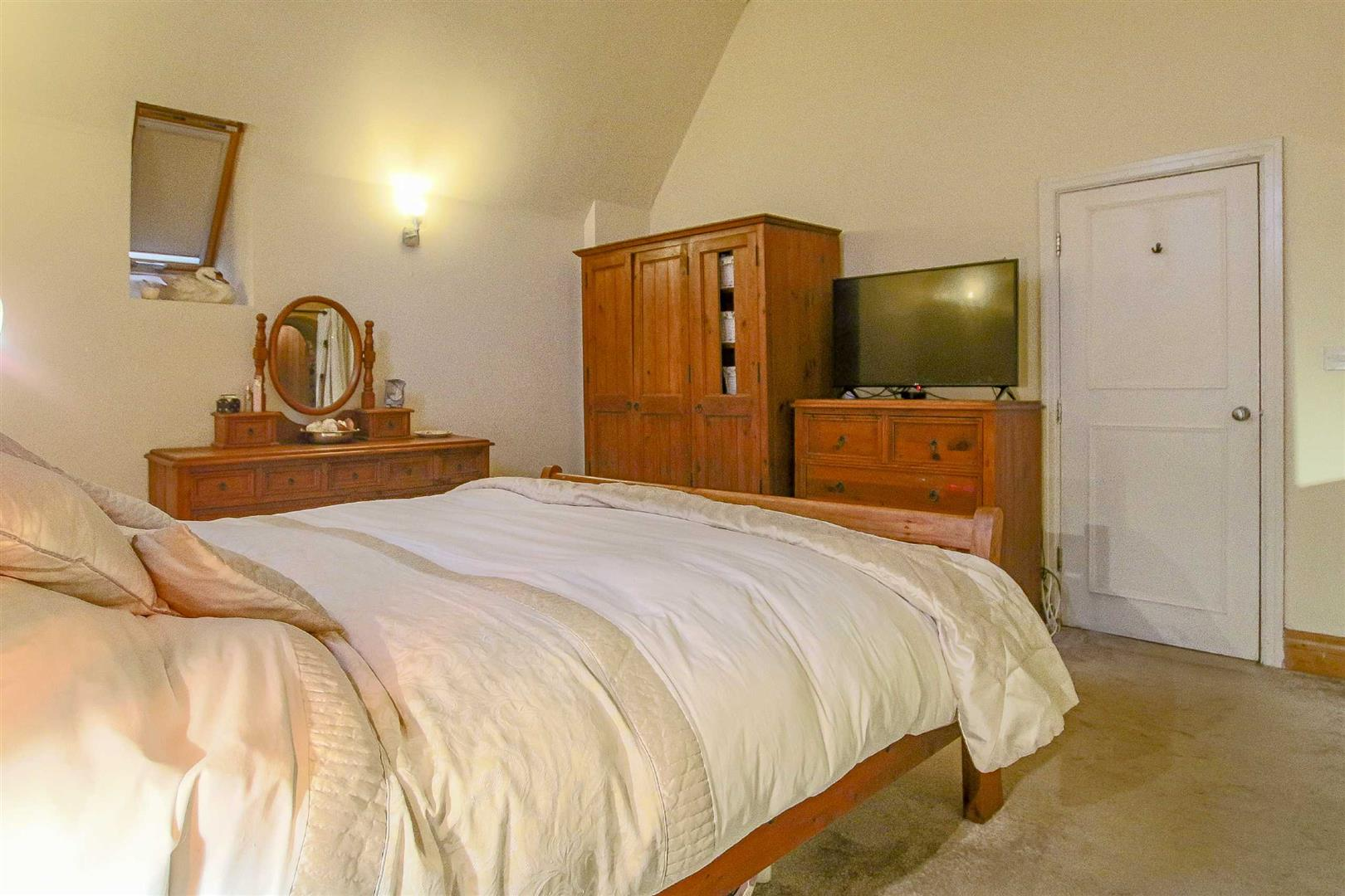 5 Bedroom Detached House For Sale - Image 49